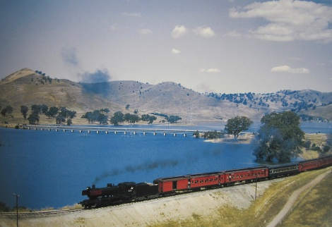 Tour train heading towards Bonnie Doon - 1966